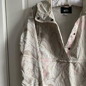 Windbreaker/jacket